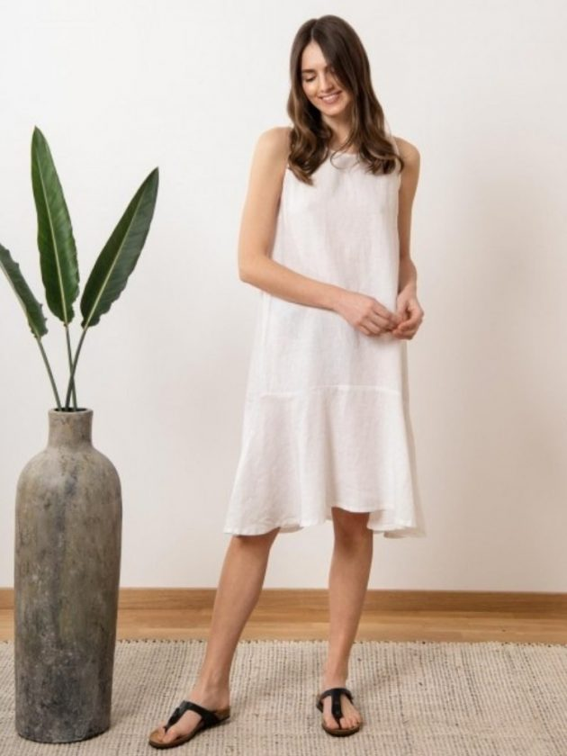 White eco friendly linen dress from SAUTHS