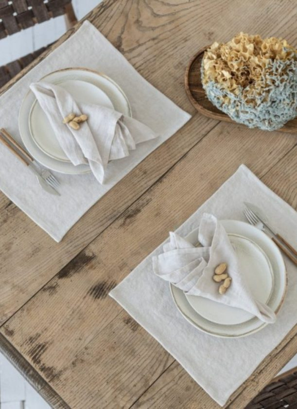 Beige linen placemats from SAUTHS