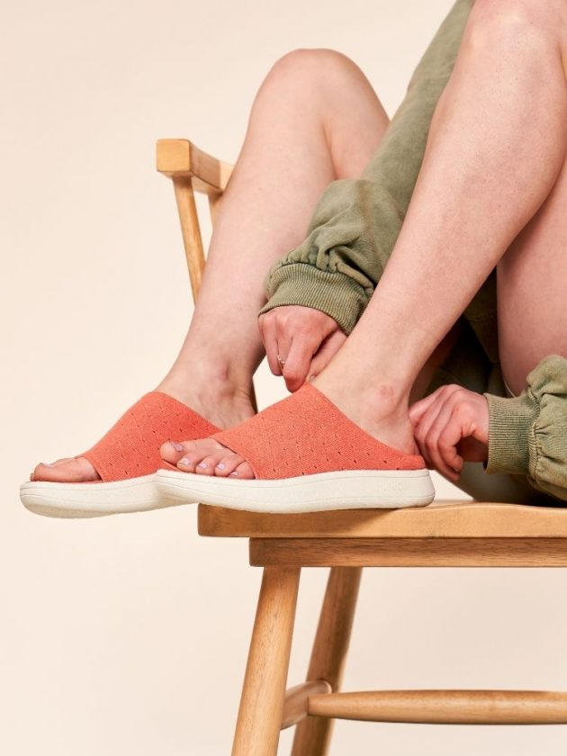 Versatile shoes from Munjoi for minimal packing