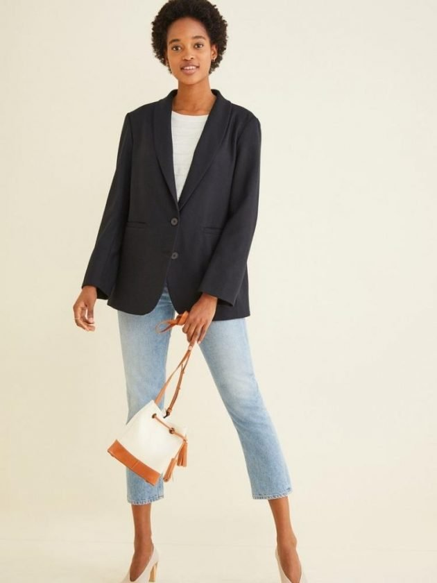 Formal eco-friendly workwear outfit with black blazer from Amour Vert