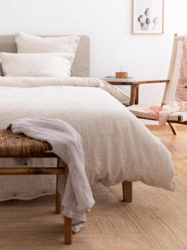 Sustainable beige linen duvet cover from Sauth's