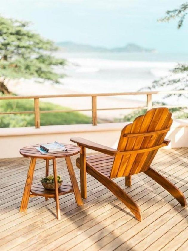 Sustainable outdoor table and chair from Madetrade